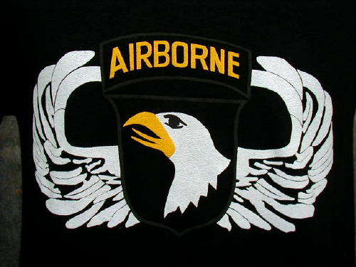 Army T-shirt Black 101st Airborne, Large Logo