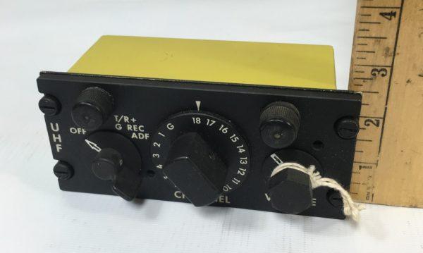an/arc-27 uhf control panel