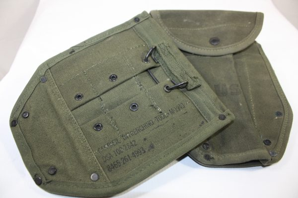 M-1943 Carrier Entrenching Tool