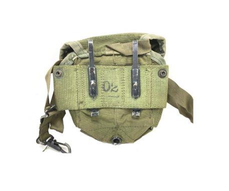 20 round m-16 nylon vietnam pouch used good condition